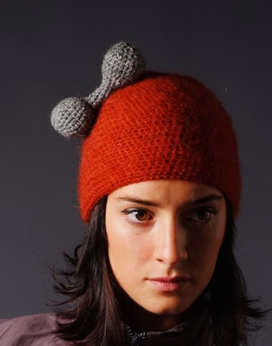 Celapiu-dog-bone-hat