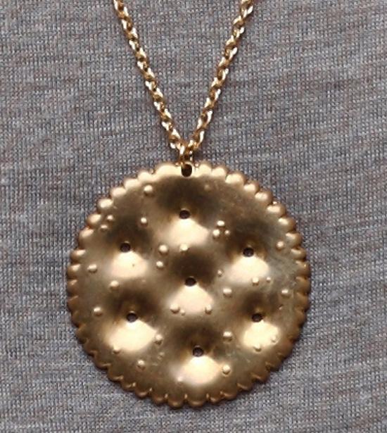 Ritz-cracker-necklace-2