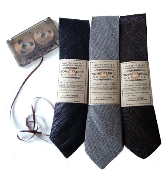 Cassette-neck-tie