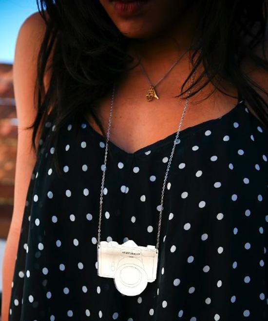 SLR-mirror-necklace